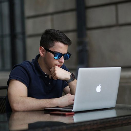 Smart Sunglasses with Speakers